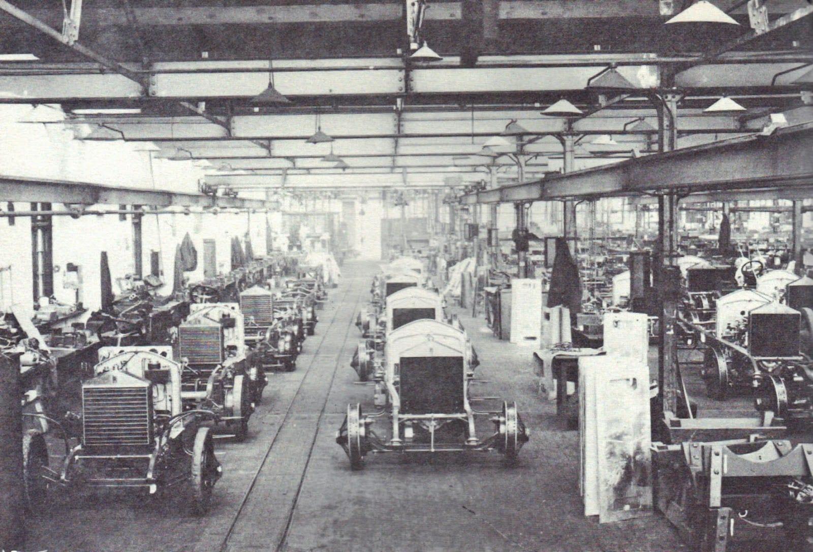 1924 - Línea de montaje en Derby